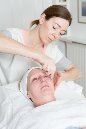 No Needle Mesotherapy with Radio Frequency Step 3
